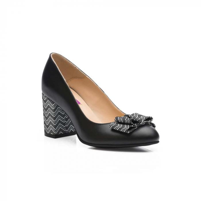 Pantofi cu toc gros negri din piele si funda decorativa 1