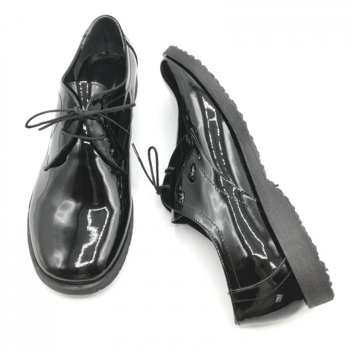 Pantofi din piele lacuita Pax negri 6