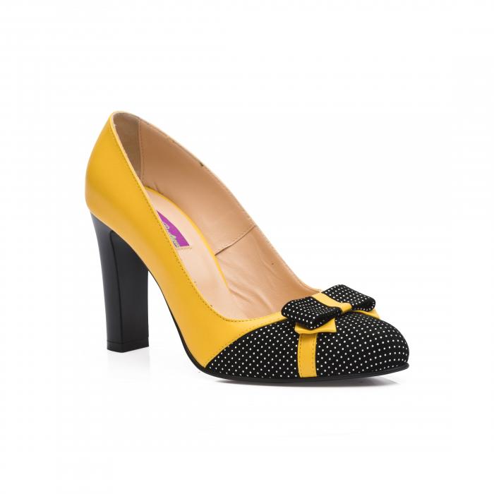Pantofi eleganti galbeni cu insertie neagra din piele 1