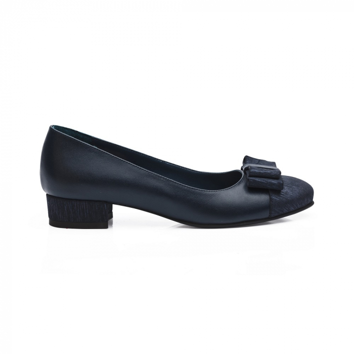 Pantofi bleumarin cu toc mic din piele naturala 1