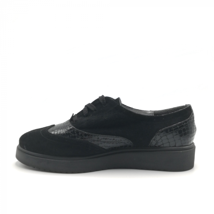 Pantofi Oxford negri din piele naturala cu detalii perforate 2
