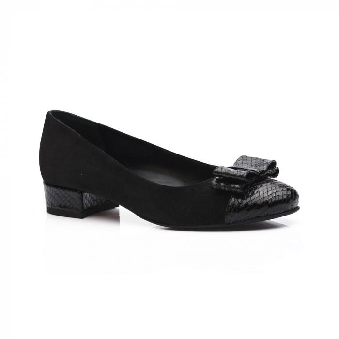 Pantofi negri cu toc mic din piele naturala 1