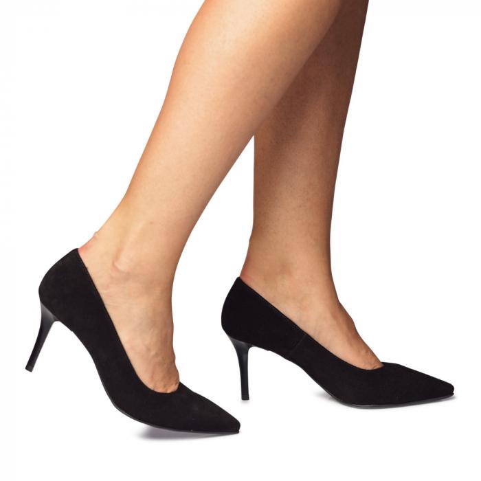 Pantofi stiletto negri cu toc mediu din piele naturala intoarsa