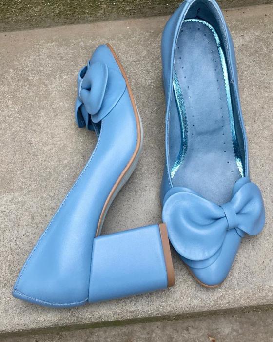 Pantofi cu toc gros din piele naturala accesorizati cu funda Blue Bow 1