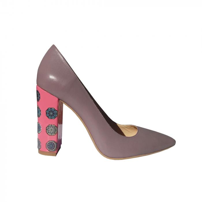 Pantofi din piele naturala cu print digital pe toc 0