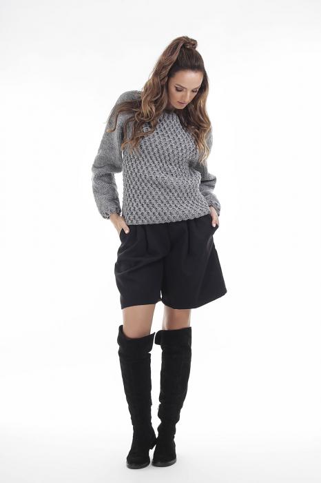 Pulover tricotat manual gri cu maneci lungi 1