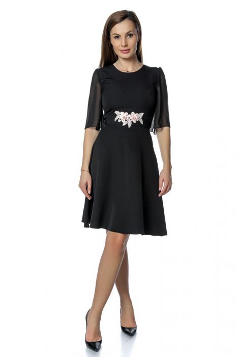 Rochie eleganta neagra cu flori aplicate pe talie RO277 0
