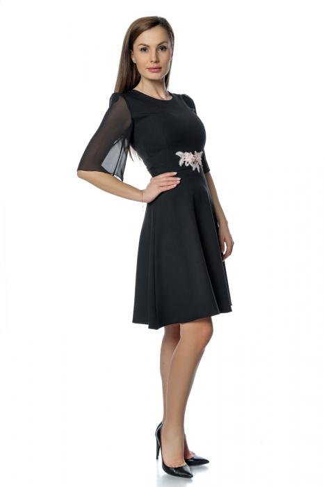 Rochie eleganta neagra cu flori aplicate pe talie RO277, L 1