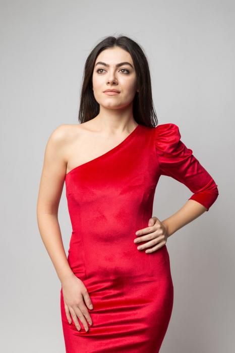Rochie eleganta din catifea rosie cu un umar gol 1