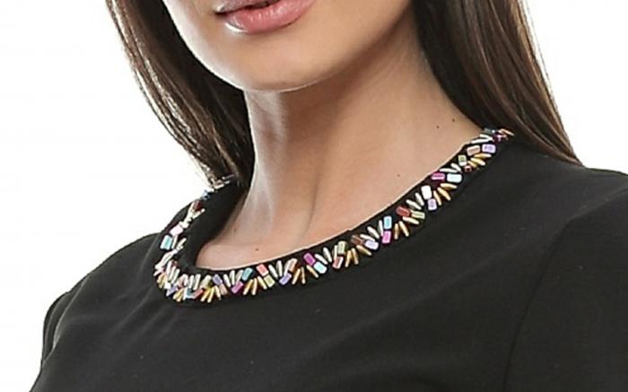 Rochie dama cu aplicatii multicolore la gat RO96 [3]