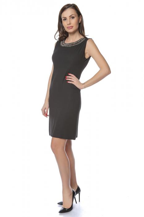 Rochie dama eleganta neagra cu margele multicolore la gat RO236 1