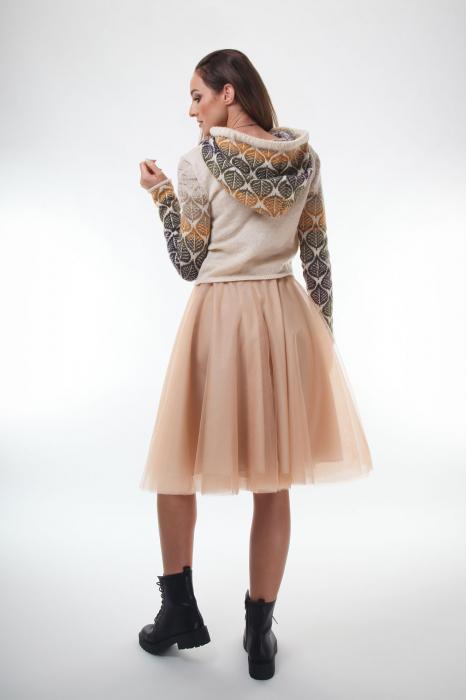 Pulover dama tricotat creamy cu model cu frunze si gluga 2