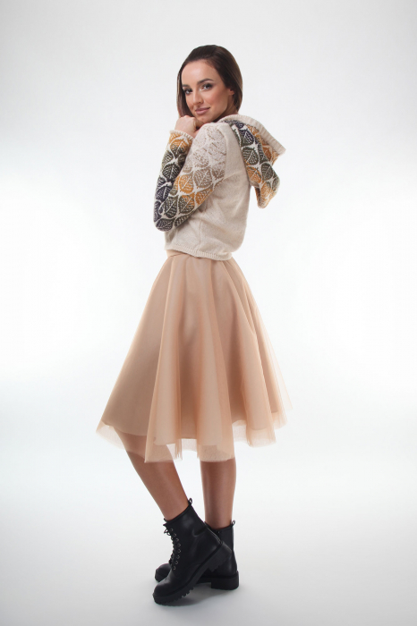 Pulover dama tricotat creamy cu model cu frunze si gluga 1
