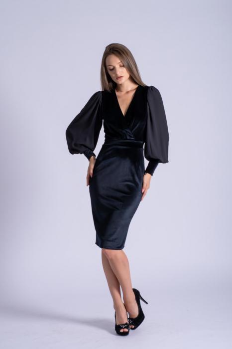 Rochie eleganta din catifea neagra cu maneci din voal 0