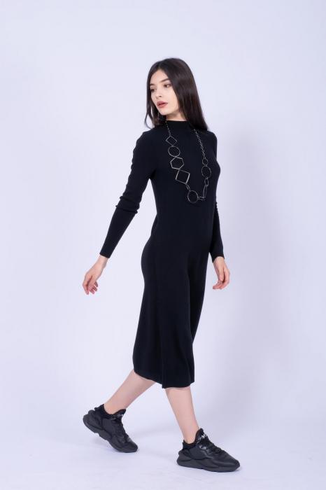 Rochie neagra midi din tricot cu maneci lungi 1