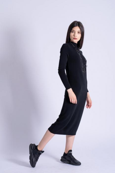 Rochie neagra midi din tricot cu maneci lungi 0