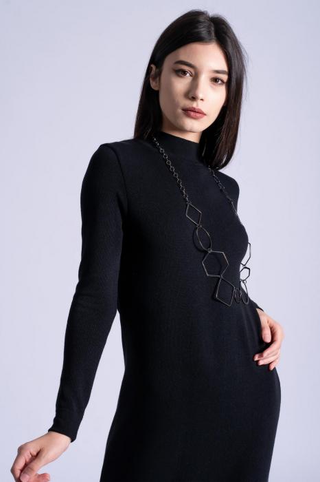 Rochie neagra midi din tricot cu maneci lungi 2