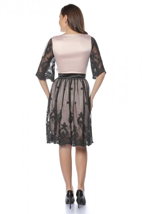 Rochie eleganta din satin cu aplicatie de tul brodat RO220 1