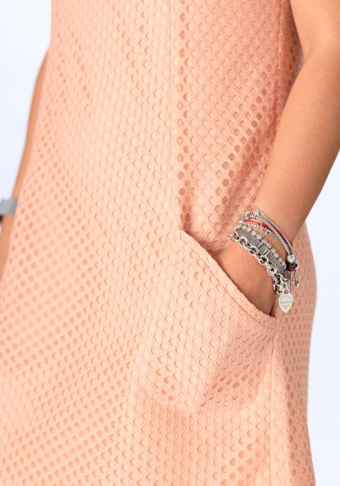 Rochie scurta roz pudra, din tesatura perforata, Lua [4]