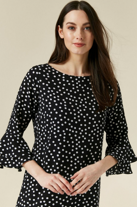Rochie neagra cu buline mici albe si maneci trei sferturi 3