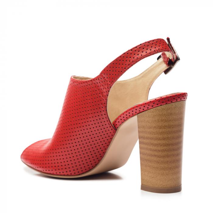Sandale rosii cu toc gros din piele perforata 3