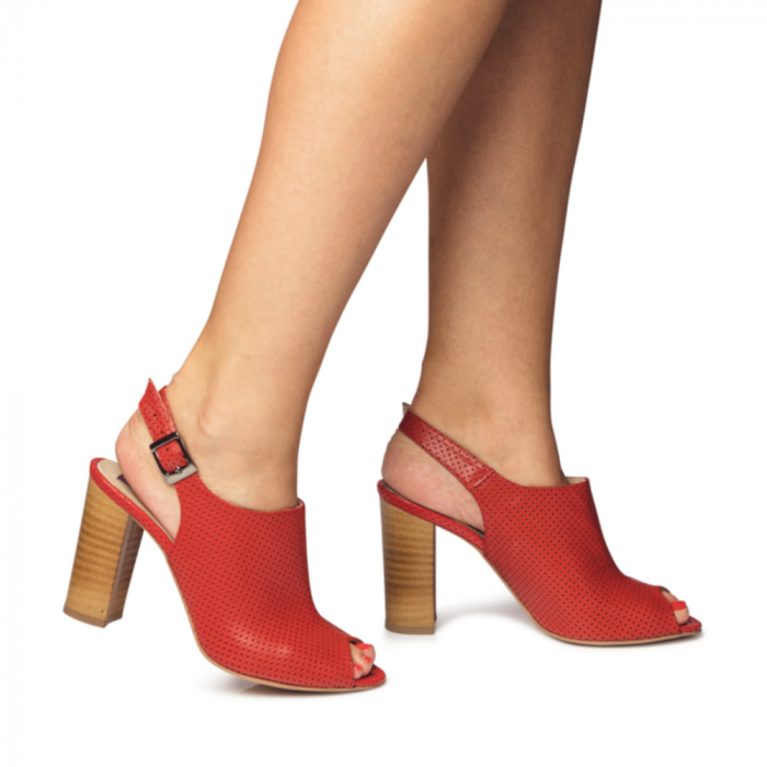 Sandale rosii cu toc gros din piele perforata CA14 2