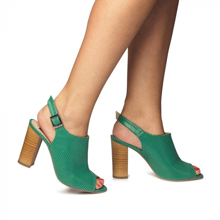 Sandale verzi cu toc gros din piele perforata