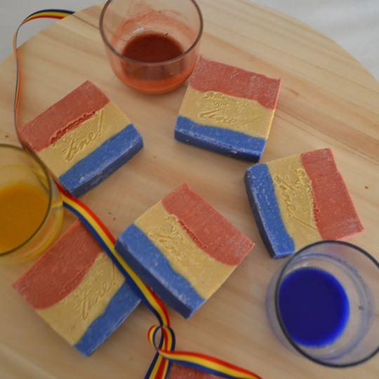 Sapun natural tricolor 2