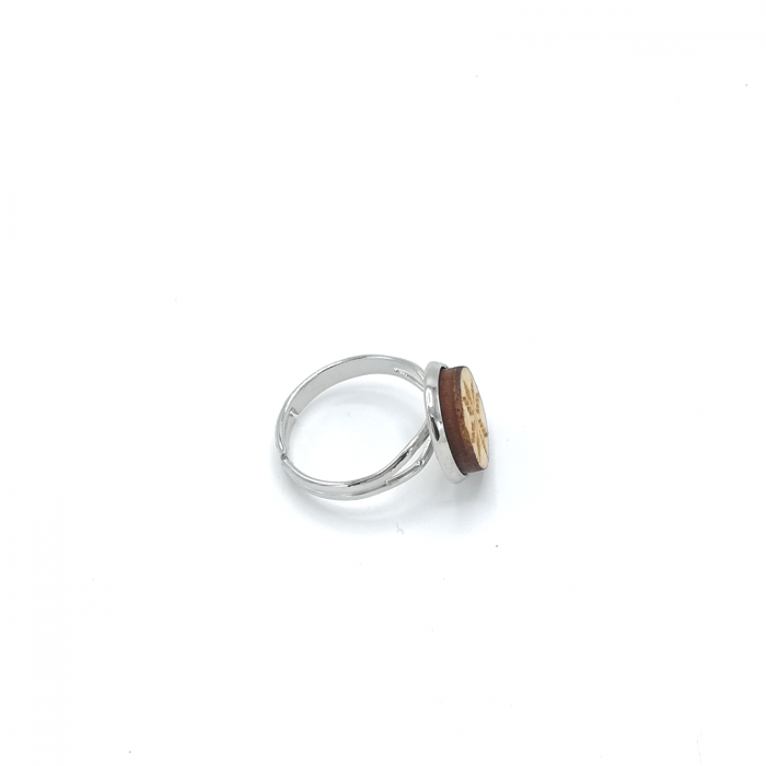 Inel din lemn cu model traditional 01