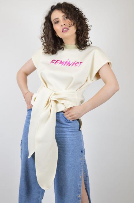 """Tricou bej cu maneca scurta si mesaj """"Feminist"""" [2]"""