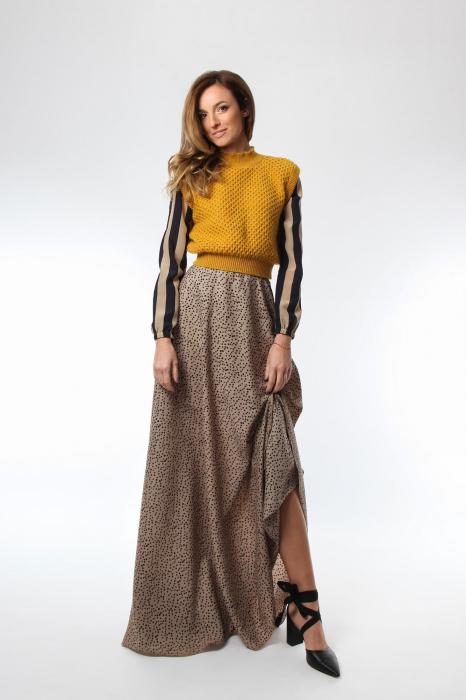 Vesta dama tricotata galben sofran cu guler inalt 1