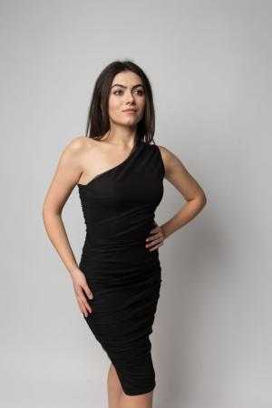 Rochie eleganta din tulle negru cu un umar gol3