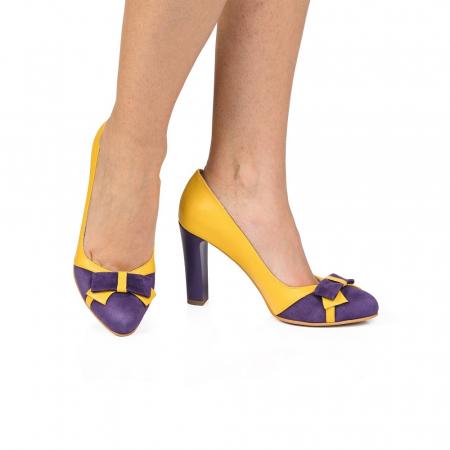 Pantofi eleganti galbeni cu insertie mov din piele CA28 [0]