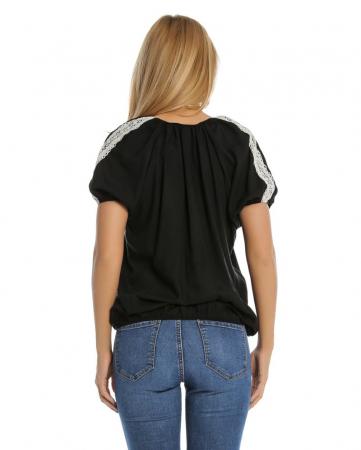 Bluza casual neagra cu aplicatie de dantela perforata B1092