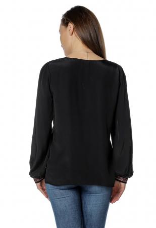 Bluza casual tip ie neagra cu ciucuri B1363