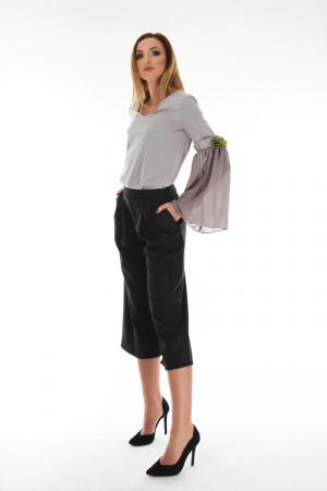 Bluza eleganta gri cu maneci din voal1