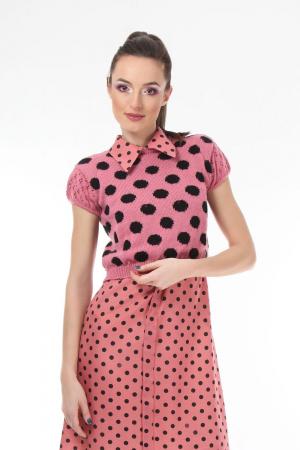 Top dama tricotat roz cu buline negre0