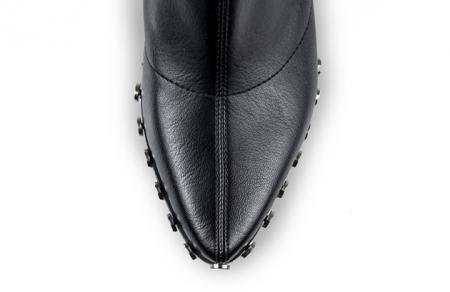 Ciocate Mihai Albu din stretch negru cu accesorii metalice3
