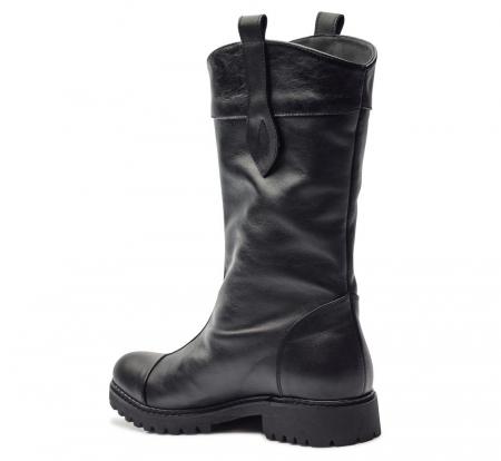 Cizme negre cu talpa joasa din piele naturala CB92