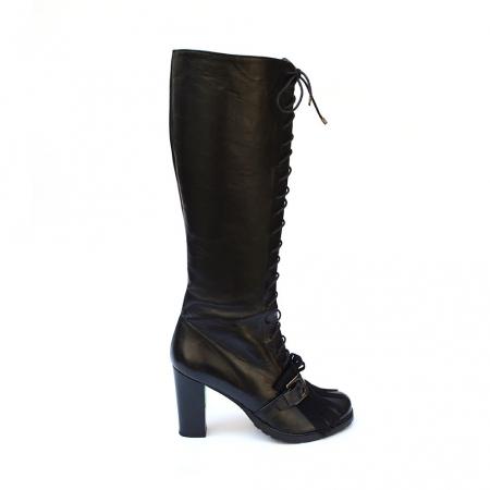 Cizme negre lungi cu siret accesorizate cu franjuri si catarama Ella0