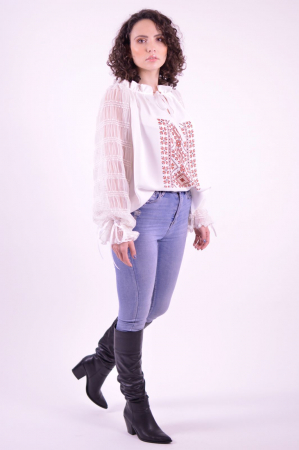 Bluza tip ie cu imprimeu traditional si maneci lungi din tulle fin3