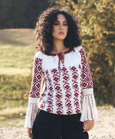 IE tricotata cu model floral si maneci lungi Onibon0