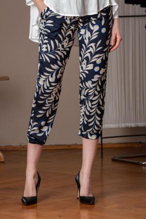 Pantaloni trei sferturi din vascoza imprimata Elixir0