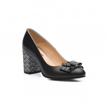 Pantofi cu toc gros negri din piele si funda decorativa1