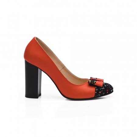 Pantofi cu toc gros rosii din piele si varf multicolor