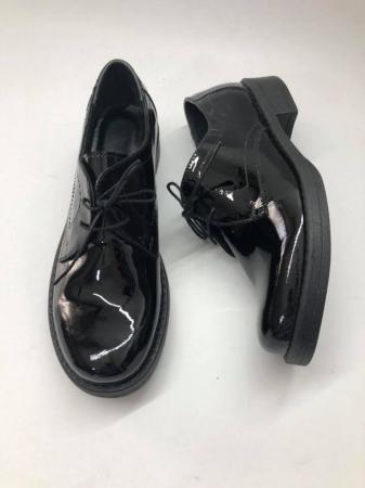 Pantofi din piele naturala lacuita neagra Clara, 400