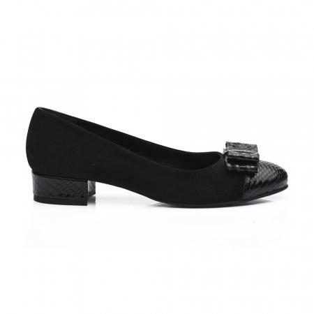 Pantofi negri cu toc mic din piele naturala2