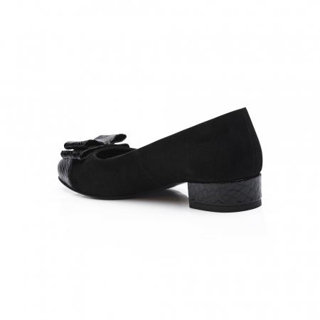 Pantofi negri cu toc mic din piele naturala3
