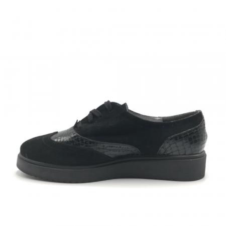 Pantofi Oxford negri din piele naturala cu detalii perforate2