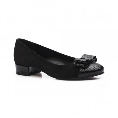 Pantofi negri cu toc mic din piele naturala1